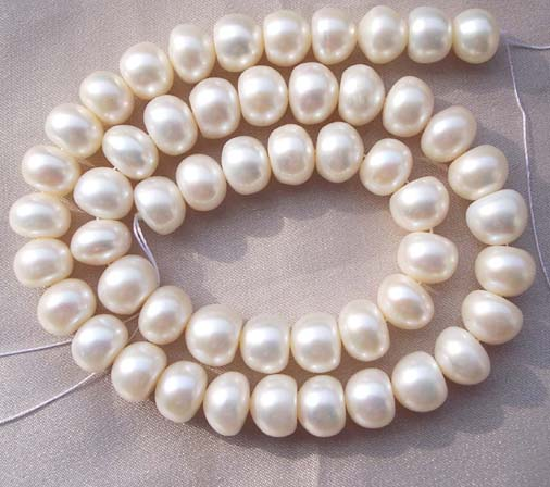9-10mm White Button Pearl Strand