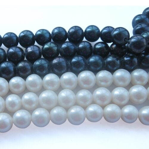 Black and White 7-8mm AA Round Shaped Pearls on Temporary Strand, 1.3mm Hole