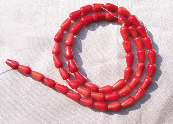 Red 5x8mm Length Drilled Coral in Teardrop Shape on Temporary Strand
