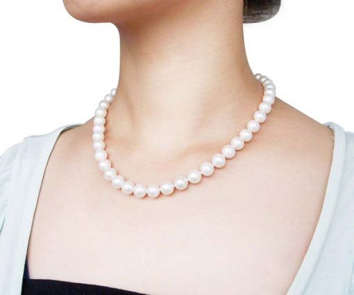 9-10mm White round pearl necklace in 14k gold