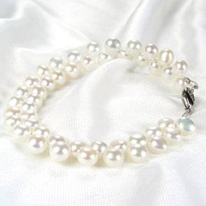 White 6-7mm High Quality Pearl Bracelet in SS