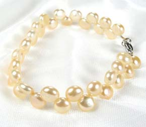 Champagne 6-7mm High Quality Pearl Bracelet in SS