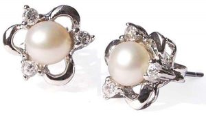 White Tiny 4-5mm Pearl Stud Earrings in 925 SS Clover Shaped Setting with 3 Cz Diamonds