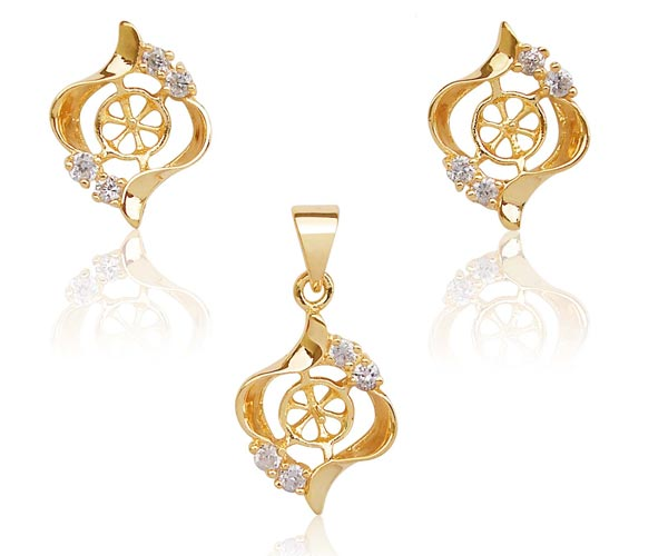 18K YG Overlay Earring and Pendant Settings in Curve Design