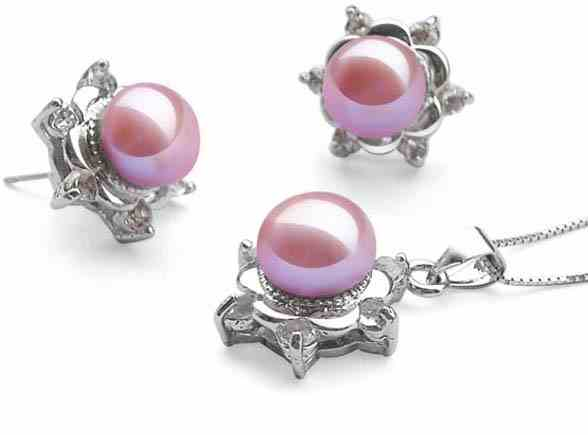 9-10mm Mauve Pearl Necklace and Earrings Set in Snowflake Design
