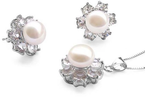 9-10mm White Pearl Necklace and Earrings Set