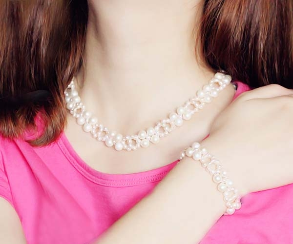 White Pearl Necklace and Bracelet Set