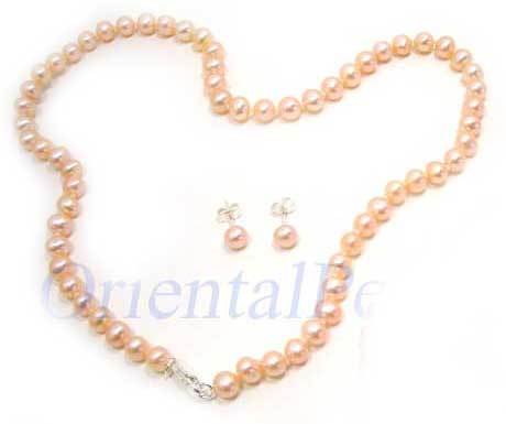 Pink Colored Pearl Set