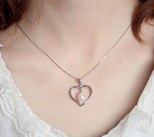 White Large Heart Shaped Silver Pearl Pendant with Silver Necklace, 925 SS