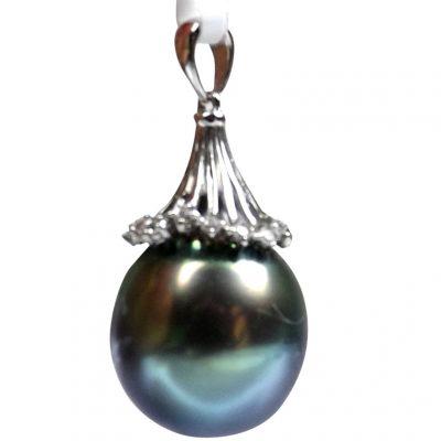 Tahitian Peacock Black Round Pearl Pendant in 14KWG