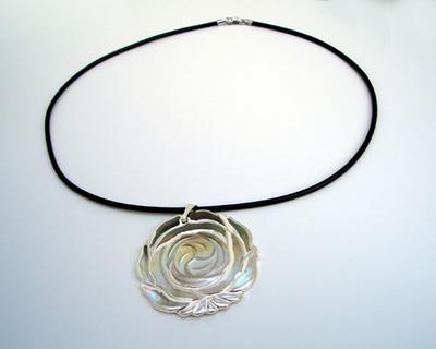 18K WG MOP Flower SS Necklace