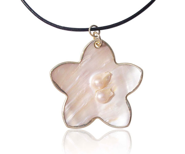 18k YG Star Shaped Filled Pearl in Oyster Pendant, Leather Cord