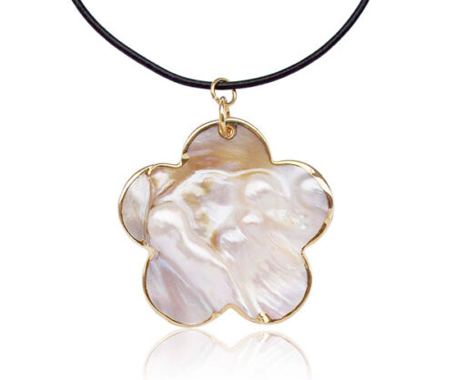 18K YG filled MOP in Oyster Large Pendant, with a Free Leather Cord
