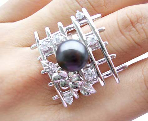 Black Fantasy Lattice Shaped Pearl Ring with 6 Cz Diamonds in 925 SS