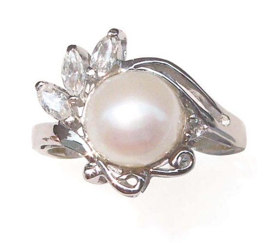 White 8-9mm Genuine Pearl SS Ring with 3 Cz Diamonds