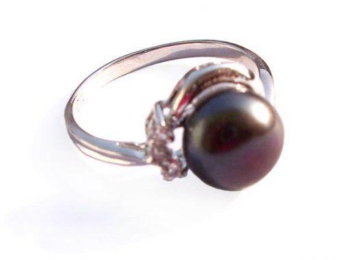 Black 8mm Pearl Ring in 3 Cz Diamonds