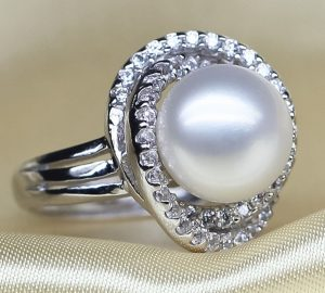 White Large 10-11mm Pearl Rings, Adjustable