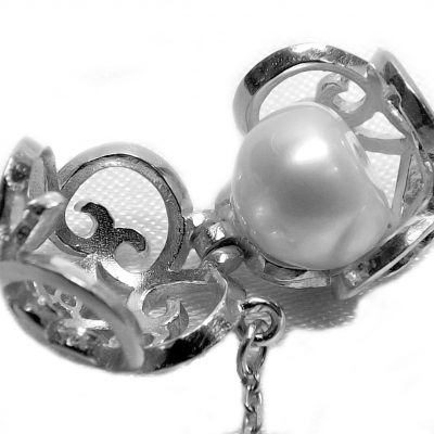 "925SS Round Pearl Cage Pendant With a 16"" Silver Chain"
