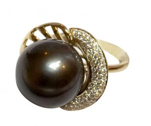 14KY Gold Tahitian AAA Pearl Ring with Diamonds