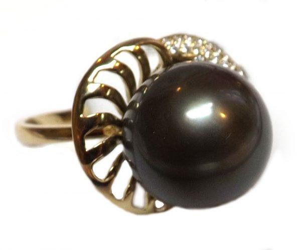 14KYG Tahitian Pearl Ring with Diamonds