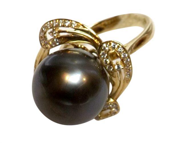 14K Yellow Gold Tahitian AAA Quality Pearl Ring with Diamonds
