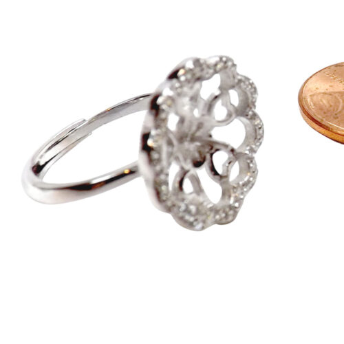Flower shaped pearl ring setting