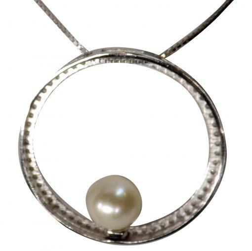 large circle pendant setting