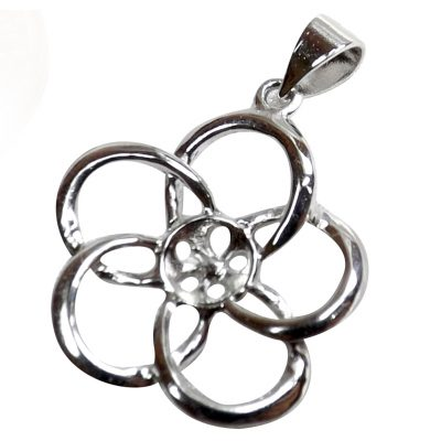 Flower shaped pearl pendant setting