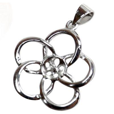 Flower shaped pearl pendant setting