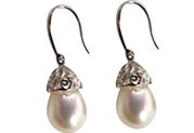 drop pearl earrings in 925 silver
