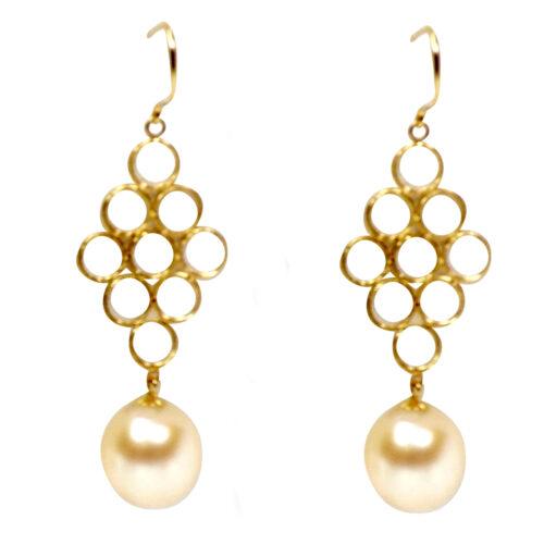 18KY good pearl earrings