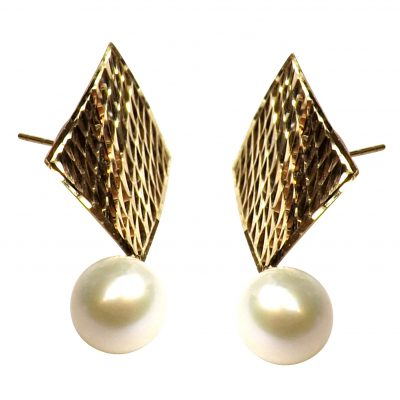 18K Yellow Gold Large Diamond Shaped Pearl Earrings