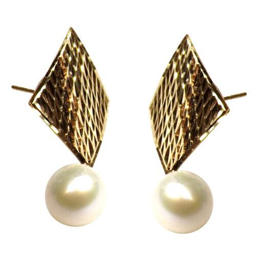 18K Yellow Gold Large Diamond Shaped Pearl Earrings
